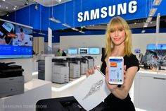 Samsung today ranks second on the print sector B-to-B in Europe with 22% market share. Its goal in 2014 is to become number one. To achieve this, the manufacturer will launch this year a new range of medium volume printers incorporating NFC technology. Even more strategic, printing via the cloud. These services are particularly suited to small and micro businesses, which represent 61% of the printing business ...