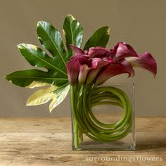 Modern flower centerpiece