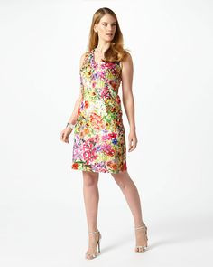 A show-stopping printed lace occasion dress that will turn heads this season. The dress features a V-neckline, darting for a flattering fit and a zip fastening through the back. Comes fully lined.