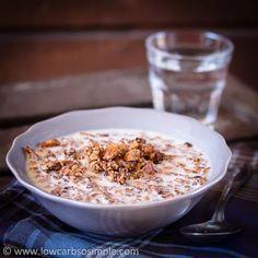 Elviira's Krunchy Grain-Free Granola (Dairy-Free) Sugar Free Recipes, Low Carb Recipes, Atkins Recipes, Sweet Recipes, Low Carb Cereal, Low Carb Granola, Low Carb Crackers, Low Carb Breakfast, Low Carb Food