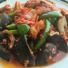 Snails Nigerian Food, Home Food, Dishes, Snails, Ethnic Recipes, African, Kitchens, Tablewares, Flatware
