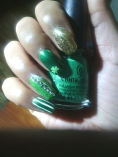 I love this color by china glaze, Paper Chasing
