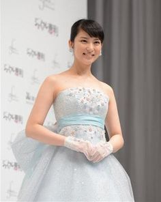 Takei Emi produces her first wedding dress collection
