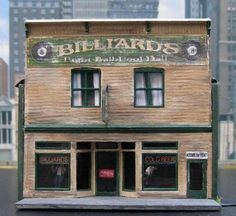 Miniature Billiards Pool Hall 1:87 HO scale Ho Trains, Model Trains, Old Building, Building A House, Miniature Houses, Mini Houses, Ho Train Layouts, Ho Scale Buildings, Free Paper Models