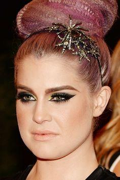 Always loved MET GALA makeup looks- 2013 Kelly Osborn, I'm actually loving this eye makeup :)
