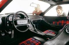 Such a classic tartan interior - Porsche 928