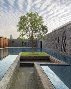 Chinese architecture firm Neri&Hu have designed the Tsingpu Yangzhou Retreat, a boutique hotel crafted from reclaimed brick, and built around a series of small lakes. Yangzhou, Chinese Architecture, Landscape Architecture, Architecture Design, Landscape Elements, Landscape Design, Patio Interior, Interior And Exterior, Interior Design