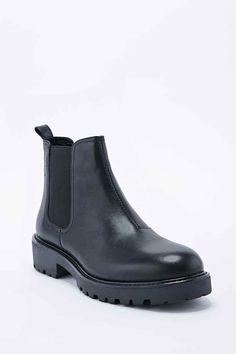 Vagabond Kenova Chelsea Boots in Black