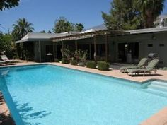 Palm Springs, CA: Special Rate - Great Value! 5 Bedrooms for the Price of a 3 Bdrm! This beautiful Palm Springs 5 bedroom home is vaction-ready and features a large poo...