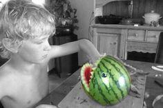 watermeloen-monster vullen met stukjes fruit/meloen.