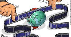 """Setembro.2012 - Um curta antimuçulmano feito nos EUA e postado no YouTube gerou protestos contra o país por todo o mundo islâmico. Os tumultos começaram em 11 de setembro, no Egito, onde uma multidão enfurecida atacou a embaixada norte-americana. Na mesma noite, na Líbia, militantes armados invadiram o Consulado dos EUA, matando o embaixador, J. Christopher Stevens, e outros três funcionários. Charge de Hajjaj, do """"Al-Rai"""", em Amã (Jordânia) CartoonArts International/The New York Times…"""