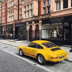 • LIVE From London. Porsche Carrera 911 - MT •  By @twm_ #live #london #carrera…