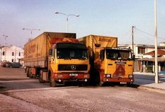 Vintage Trucks, Old Trucks, Road Transport, Big Wheel, Classic Trucks, The Good Old Days, Middle East, Transportation, Vehicles