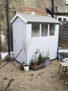 Home office (in shed) of Artemis Russell in London