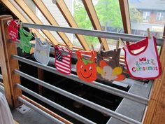 Baby Bib Clothes Line  A bib for each holiday for the baby's first year. This is great for a gender neutral shower!