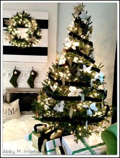 Abby Manchesky Interiors: Modern Glam Christmas Tree: black, white, & green all over Black Christmas, Merry Little Christmas, Modern Christmas, Christmas Design, All Things Christmas, Christmas Holidays, Winter Things, Christmas Mantels, Thanksgiving Holiday