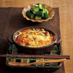 照り焼きチキンとほうれん草のチーズ焼き / たたききゅうりの塩漬け
