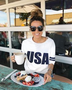 USA Graphic Tee. Getting reading for 4th of July ! 4th Of July Outfits, Summer Outfits, Foto Pose, Playing Dress Up, Everyday Outfits, Get Dressed, Pretty Outfits, Passion For Fashion, What To Wear
