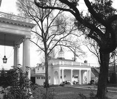 River Oaks Boulevard Garden Pavilion - Curtis & Windham Architects, Inc.