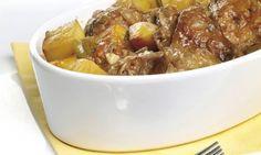 Si no encuentras carne de pimiento choricero envasada,puedes comprar pimientos choriceros o ñoras. Ponlosa remojar en agua durante 2 horas o cuécelos en unacazuela con Canapes, Pot Roast, Bon Appetit, Potato Salad, Lamb, Main Dishes, Pork, Lunch, Beef