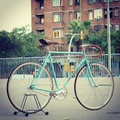Vintage bicycle-Peugeot road bike Fixie-track-fixed gear-pista