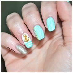 Nail Art avec bijou ancre marine par Les ongles de B. pour Kit-Manucure.com : http://www.kit-manucure.com/435-bijoux-pour-ongles-ancre-marine.html