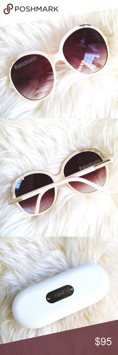 ✨ CHLOE Oversized Scalloped Sunglasses ✨ These sunnies are 🌟GLAMOROUS 🌟 Channel your inner Jackie O/Audrey Hepburn/Grace Kelly with these beautiful oversized designer sunglasses! Lovely cream color with delicate scallop detailing. Like new. No flaws. Comes with Chloe case + cloth. NO trades/holds! 💋 Chloe Accessories Sunglasses