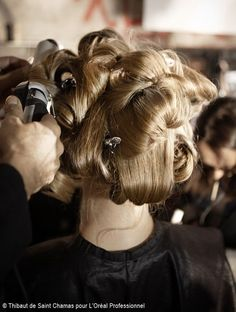 For the Second day of the Fashion Week, it is at the Cité de la Mode et du Design, where we discovered the Alexis Mabille's collection and the creations by Odile Gilbert who is in charge of the hair mission. Hair Icon, Alexis Mabille, Boyish, Hair Ideas, Walls, Posts, Create, Design, Art