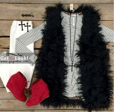 This outfit is super cute! Get The Look, New Look, Trendy Outfits, Fall Outfits, Fur Vest Outfits, Black Fur Vest, Giddy Up Glamour, Cowgirl Style, Winter Wear