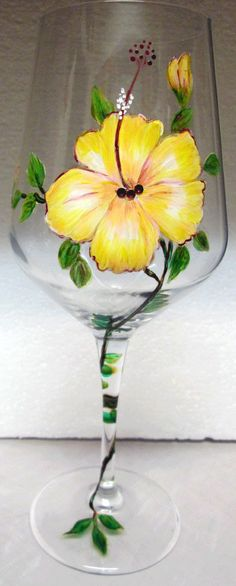 Single Yellow Hibiscus Wine Glass by on Etsy, Decorated Wine Glasses, Hand Painted Wine Glasses, Decorated Bottles, Wine Glass Crafts, Wine Bottle Crafts, Bottle Painting, Bottle Art, Wine Bottle Glasses, Wine Bottles
