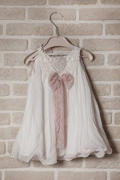 4c5d98e2d5ee Παιδικό Ραντεβού : Τα πάντα για την βάπτιση και το γάμο. Λουλουδάτα  ΦορέματαΝυφικάΣτολίδιαΜόδα. Φορέματα βάπτισης-Βάπτιση Κορίτσι