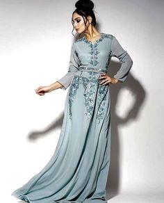Entrez dans la boutique de vente caftan et takchita à Lyon, achetez un joli caftan marocain et takchita marocaine avec plein d'ornement broderie et perle marocaine, également vous trouvez une nouvelle tendance disponible à travers le site, une grande collection de caftan marocain et takchita marocaine pour femme de toute taille disponible, parmi les modèles …