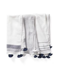 Tassel and Stripe Guest Towels in navy and white - the prettiest coastal hand towels Blue Towels, White Towels, Guest Towels, Hand Towels, White Throws, Luxury Towels, Turkish Towels, Towel Set, E Design