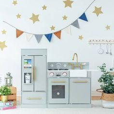 Shop for Teamson Kids White and Rose Gold Little Chef Paris Modern Play Kitchen. Get free delivery On EVERYTHING* Overstock - Your Online Toys & Hobbies Shop! Kids Wooden Play Kitchen, Toddler Kitchen, Kitchen Sets For Kids, Bright Kitchens, Grey Kitchens, Cocina Kidkraft, Uptown Kitchen, Chelsea, Little Chef