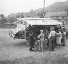 Der Migros-Verkaufswagen, undatiert.  (Foto: unbekannt/Schweizerisches Nationalmuseum)