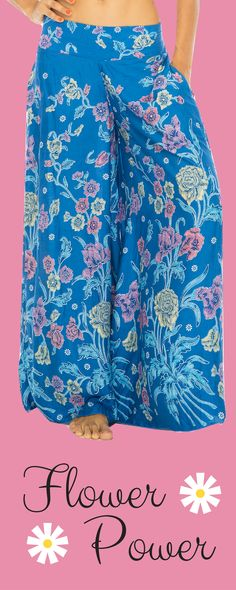 Embrace your inner hippie chick with these flowery palazzo culottes. With a fun floral print and versatile design, these ultra wide-leg palazzo pants create so many boho looks from just one piece. Bohemian Girls, Boho Girl, Bohemian Look, Wide Leg Palazzo Pants, Hippie Chick, Flower Power, Fashion Brands, Topshop, Floral Prints