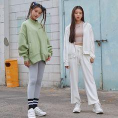 "2019 FW ""Soul Full of Andar"" Collection Kpop Fashion, Korean Fashion, Girl Fashion, South Korean Girls, Korean Girl Groups, K Pop, Rapper, Kpop Girls, Girl Crushes"