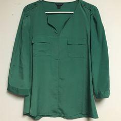 Selling this Green Double Pocket Blouse in my Poshmark closet! My username is: spakx. #shopmycloset #poshmark #fashion #shopping #style #forsale #Banana Republic #Tops