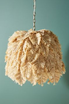 Slide View: Cassie Feather Macrame Pendant What is Decoration? Decoration could be the art of … Home Decor Trends, Diy Home Decor, Home Decoration, Feather Lamp, Diy Lampe, Ideias Diy, Macrame Design, Diy Chandelier, Macrame Projects