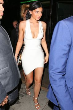 kyliefashionstyle: Kylie Jenner night out in LA (Nov. 22)