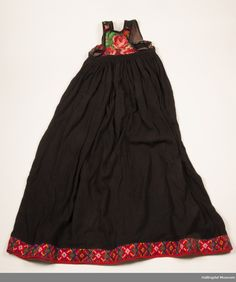 DigitaltMuseum - stakk m/liv Folk Costume, Costumes, Norway, Museum, Europe, Embroidery, Pretty, Skirts, Diy
