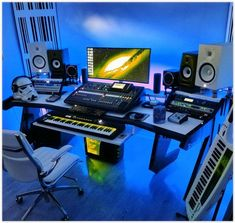 A spectacular studio setup with our PRO LINE Series desk.