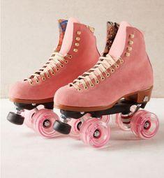 Roller Derby, Retro Roller Skates, Roller Skate Shoes, Quad Roller Skates, Roller Skating, Outdoor Roller Skates, Rollers, Snowboard Girl, Burton Snowboards