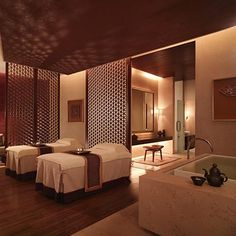 """Chi, The Spa at Shangri-La Hotel, Pudong has been awarded the winner of the """"Interior Design of the Year"""" at the 2006 Baccarat Asia Spa Awards. Designed by HBA/Hirsch Bedner Associates."""