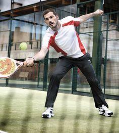 Iker Casillas jugando al pádel con PADELMONKEY