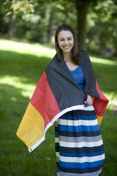 """Alice aus Brasilien #intensivkurs #deutschland - """"Ich freue mich darauf ein Spiel zusammen mit meinen internationalen Freunden zu sehen und Deutschland anzufeuern. Ich bin sehr glücklich hier zu sein und die Möglichkeit zu haben, die Weltmeisterschaft außerhalb meines Landes zu erleben."""""""