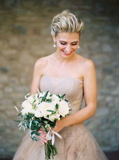 Wedding Dress Ideas, Designers & Inspiration  :    Stunning ivory Vera Wang wedding dress: Photography: Katie Grant – www.katiegrantpho…   https://greatmag.net/wedding/wedding-dress/wedding-dress-ideas-stunning-ivory-vera-wang-wedding-dress-photography-katie-grant-www-katiegran/