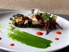 Salade de chipirons sur tian de légumes restaurant La bulle 48 rue Louis Blanc…