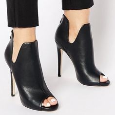 Zapatos Shoes, Women's Shoes Sandals, Pretty Shoes, Beautiful Shoes, Bootie Boots, Shoe Boots, Mode Shoes, Shoe Show, Mode Style