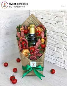 Man Bouquet, Food Bouquet, Food Gift Baskets, Edible Bouquets, Alcohol Gifts, Chocolate Bouquet, Christmas Decorations, Holiday Decor, Food Gifts
